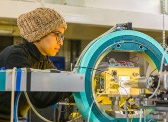 جمعية تساعد علماء الامارات للاستفادة من أفضل المختبرات العالمية