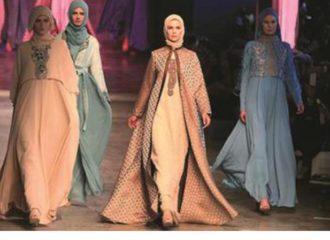 أزياء اسلامية تجذب الأضواء في لندن