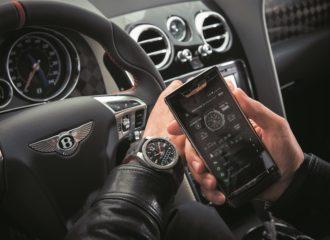 بريتلينغ تصدر طراز قابل للاتصال ووظائف خاصّة برياضة السيارات