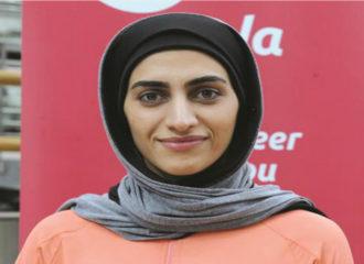 أمينة أحمدي تؤسس مشروعاً للملابس الرياضية المحتشمة