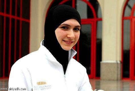 زهرة لاري- متزلّجة على الجليد، الإمارات : واجهت انتقادات كثيرة خلال مسيرتي لكنني لم أدعها تحول دون استمراري أو تحبطني