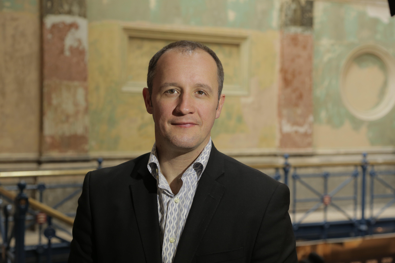 ويليام نايت في منصب المدير التنفيذي ومدير إدارة التصميم في آرت دبي