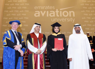 جامعة الإمارات للطيران تحتفل بتخريج 220 طالباً