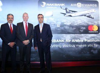 بنك رأس الخيمة الوطني والعربية للطيران يطلقان بطاقة ائتمان عالمية