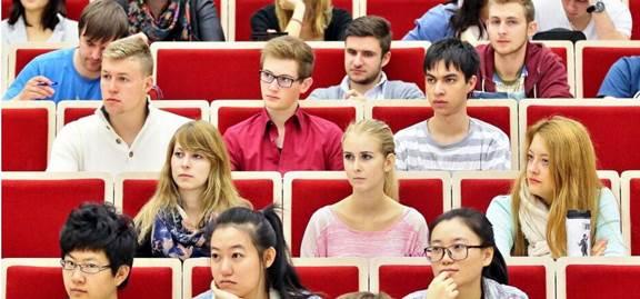كيف تجذب ألمانيا الطلاب والباحثين الى جامعاتها