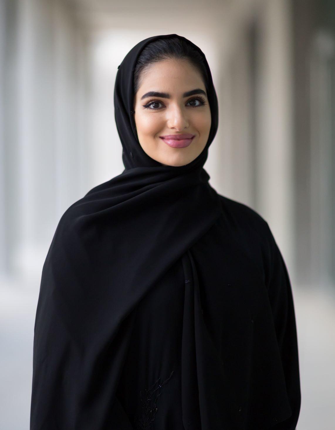 الطالبتان الإماراتيّتان ماجدة آل مكتوم وأمل القرقاوي تحصلان على منحة رودس في جامعة أكسفورد
