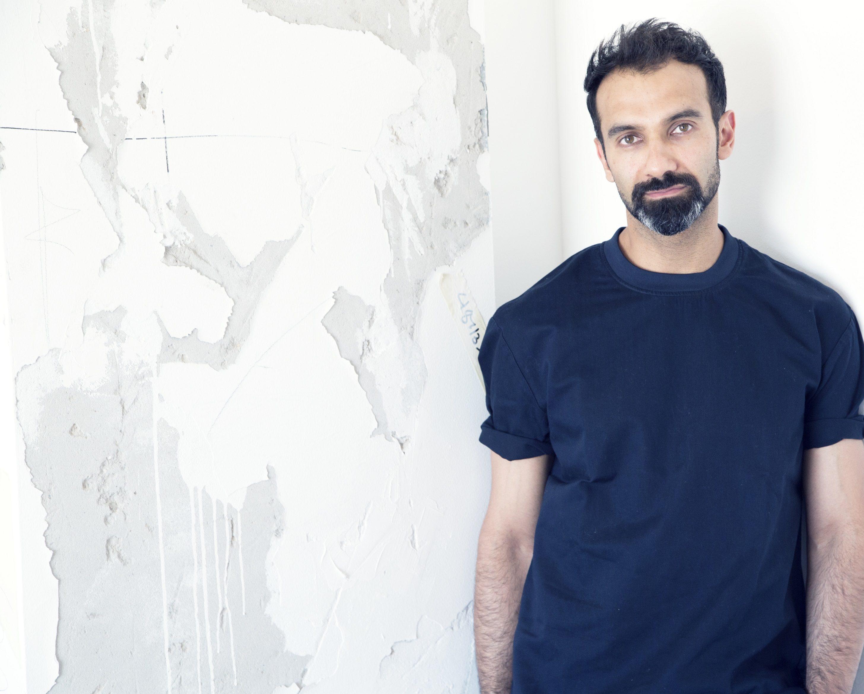"""خالد الشعفار يطرح مجموعته الجديدة """"فورما"""" احتفاءً بالتراث الإماراتي"""