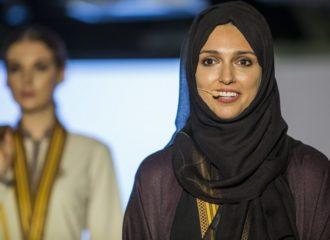 كيف فازت لطيفة القرق بجائزة تصمّم الزي الرسمي لفريق إكسبو 2020 دبي؟