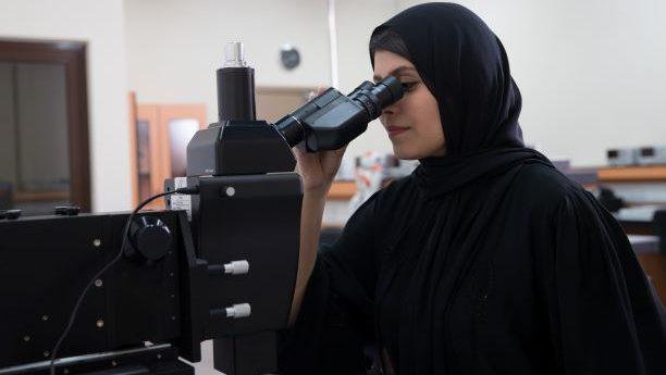 """جامعة أبوظبي تتلقى 700مشروعاً بحثياً في مسابقة """"بحوث طلبة الجامعات"""" لهذا العام"""