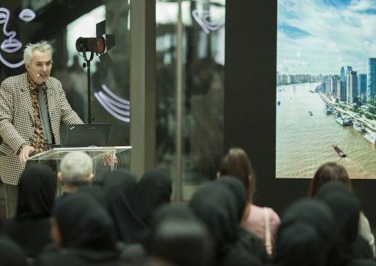 """""""حيّ دبي للتصميم"""" يستضيف معرض """"فن العمارة المستدامة"""""""
