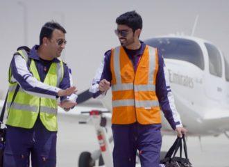 أحمد الدوسري أول طالب في أكاديمية الامارات للطيران يطير بمفرده