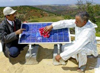 المغرب يتوسع بالطاقة الشمسية بالاعتماد على الحرفيين الشباب