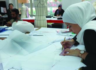 جامعة اسمود دبي تستقبل الدفعة 26 من طلابها